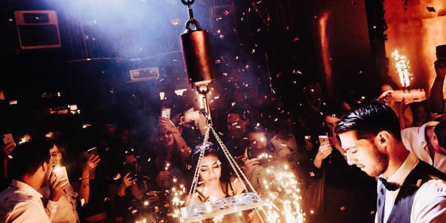 party at reign showclub with crackers