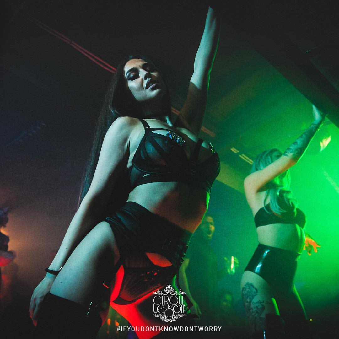 cirque le soir age restriction