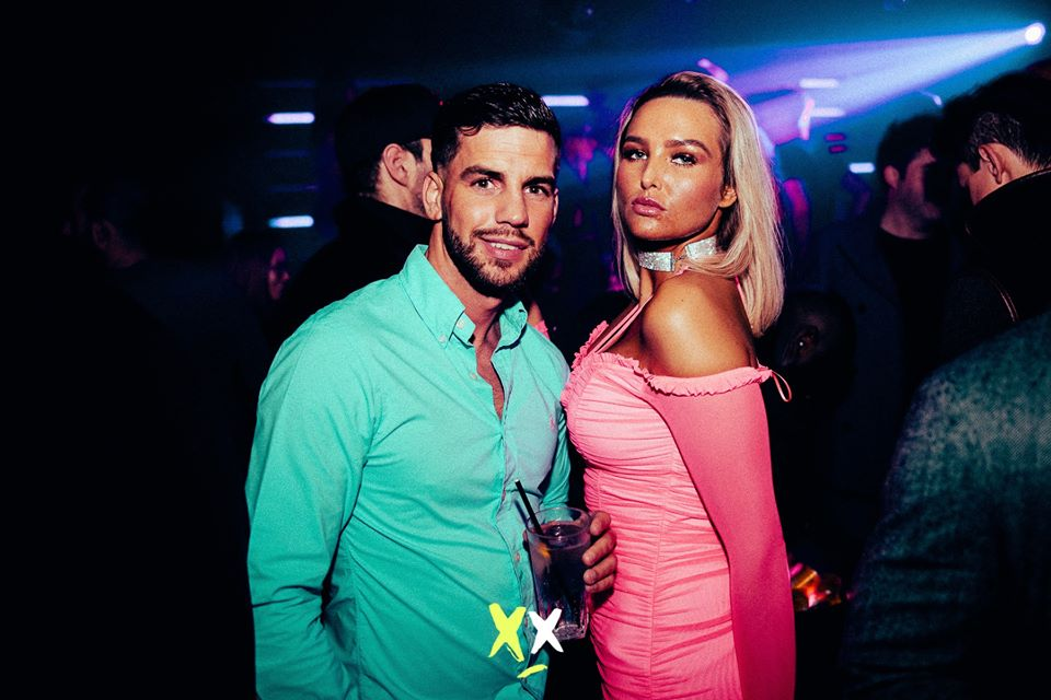 table booking at luxx club